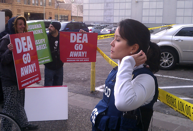 Oönskat besök i Oakland